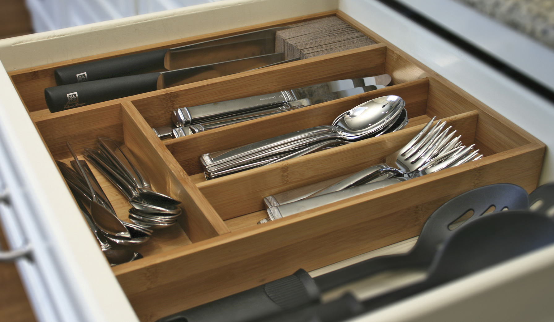 Knife Dock with Cutlery Tray